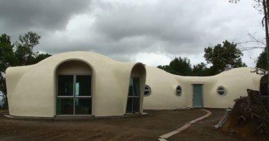 Геодезическа куполна къща